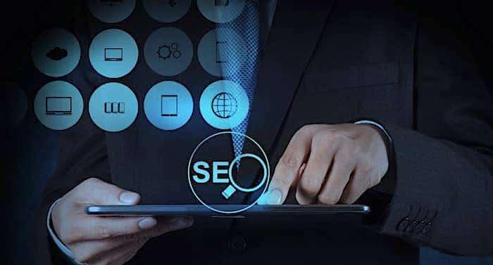Google SEO Ratgeber: Externe Agentur versus eigene Fachkräfte